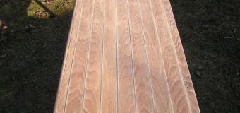 Holz-Aufbereitung auf der La Pirogue