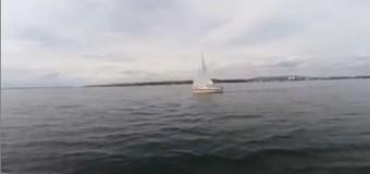Die La Pirogue segelnd auf dem Bodensee